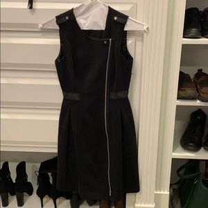 Black zipper dress with pockets